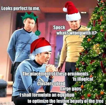 XMAS TREE WITH STAR TREK